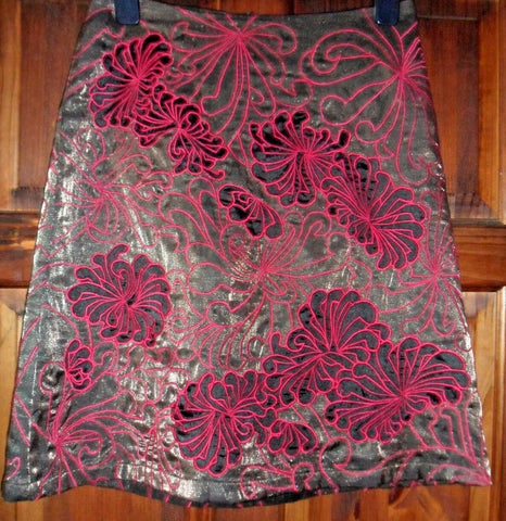 Lush French Connection knee length occasion skirt. grey/Pink. Size 8