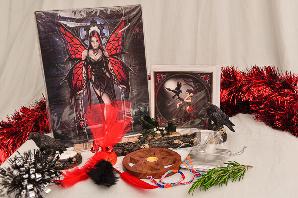 Wicca Christmas.Xmas Pagan Wicca Gift Set Raven Goth Fairy Gift Wrapped Wall Plaque Raven Cards