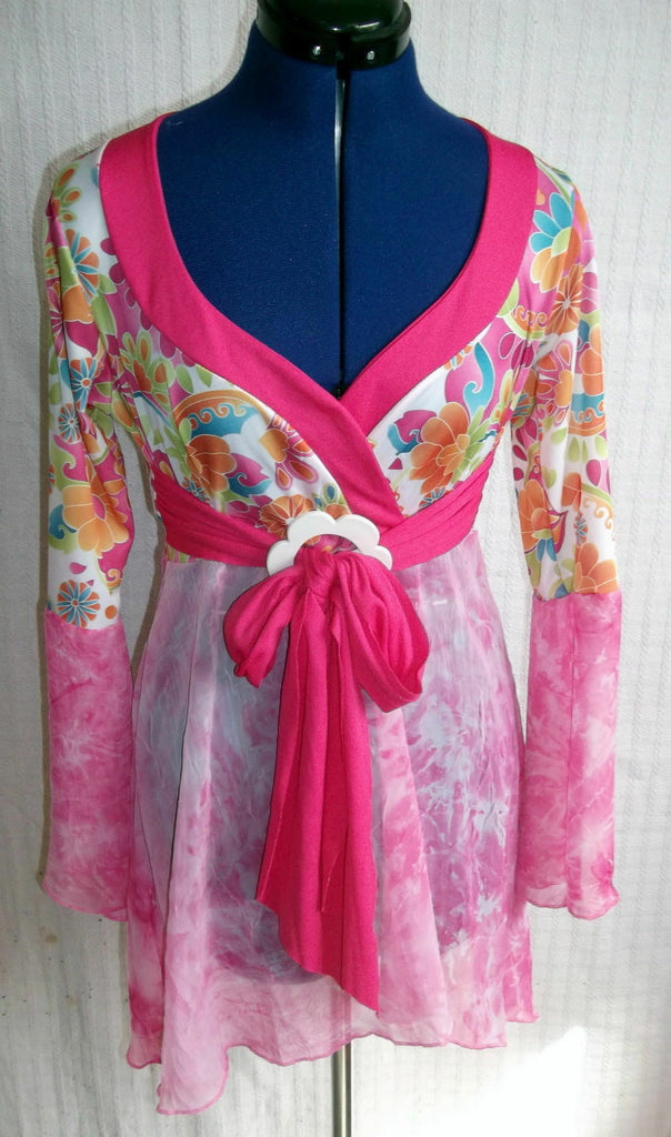 'Wicked' size small hippie/boho pink floral dress with flower belt,hip length