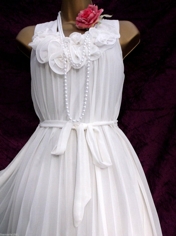 Vintage 1920's inspired Flapper White Chiffon Flower Dress US 8 EUR 40 Gatsby