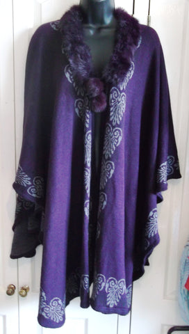 purple cape/shawl free size / steampunk-designs,faux fur collar& pompom tie ups