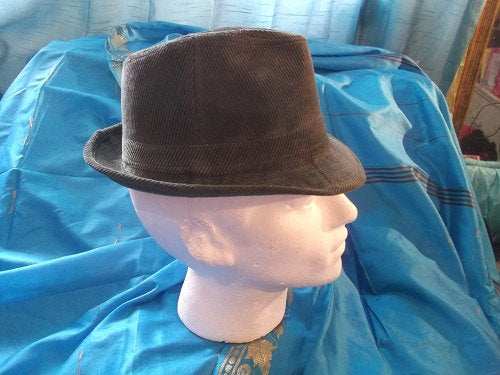 VINTAGE Gangstar/CosPlay/Fancy dress Trilby Hats high quality-khaki colour