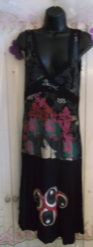 Lovely sleeveless Desiqual dress. Size 10-12.knee length.plunging neckline,jersey fabric