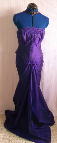 Turn heads with this Stunning Hollywood Glam/Burlesque Regal purple fine Silk 2 piece Evening/Wedding Dress-  Size 14.
