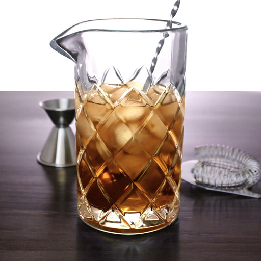 22 ounce BarConic® Diamond Pattern Mixing Glass
