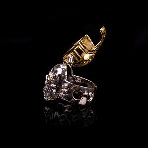 A knight in shining armour skull ring