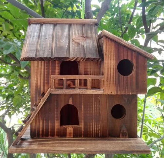 Wood bird house
