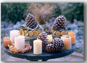 LED pinecone with candles