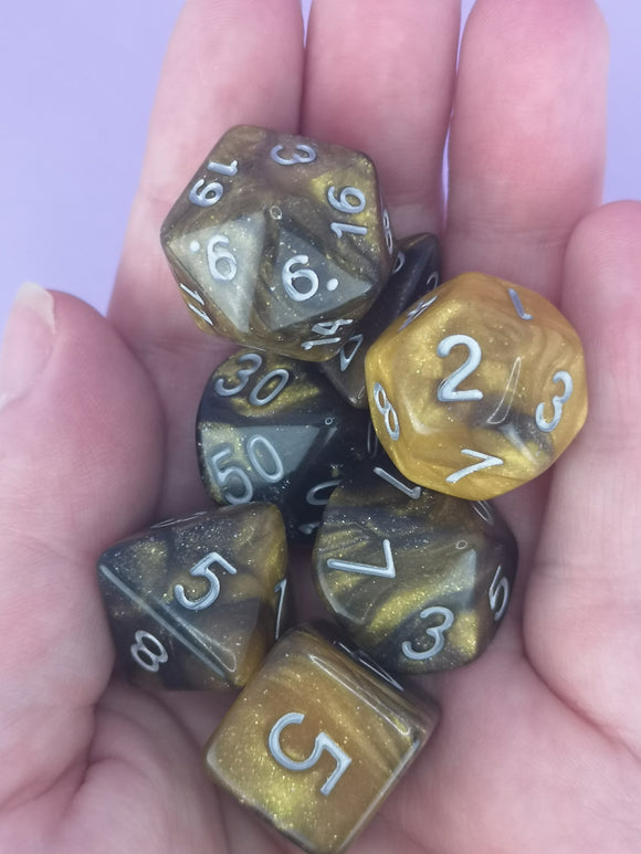 Monarch Dice Set