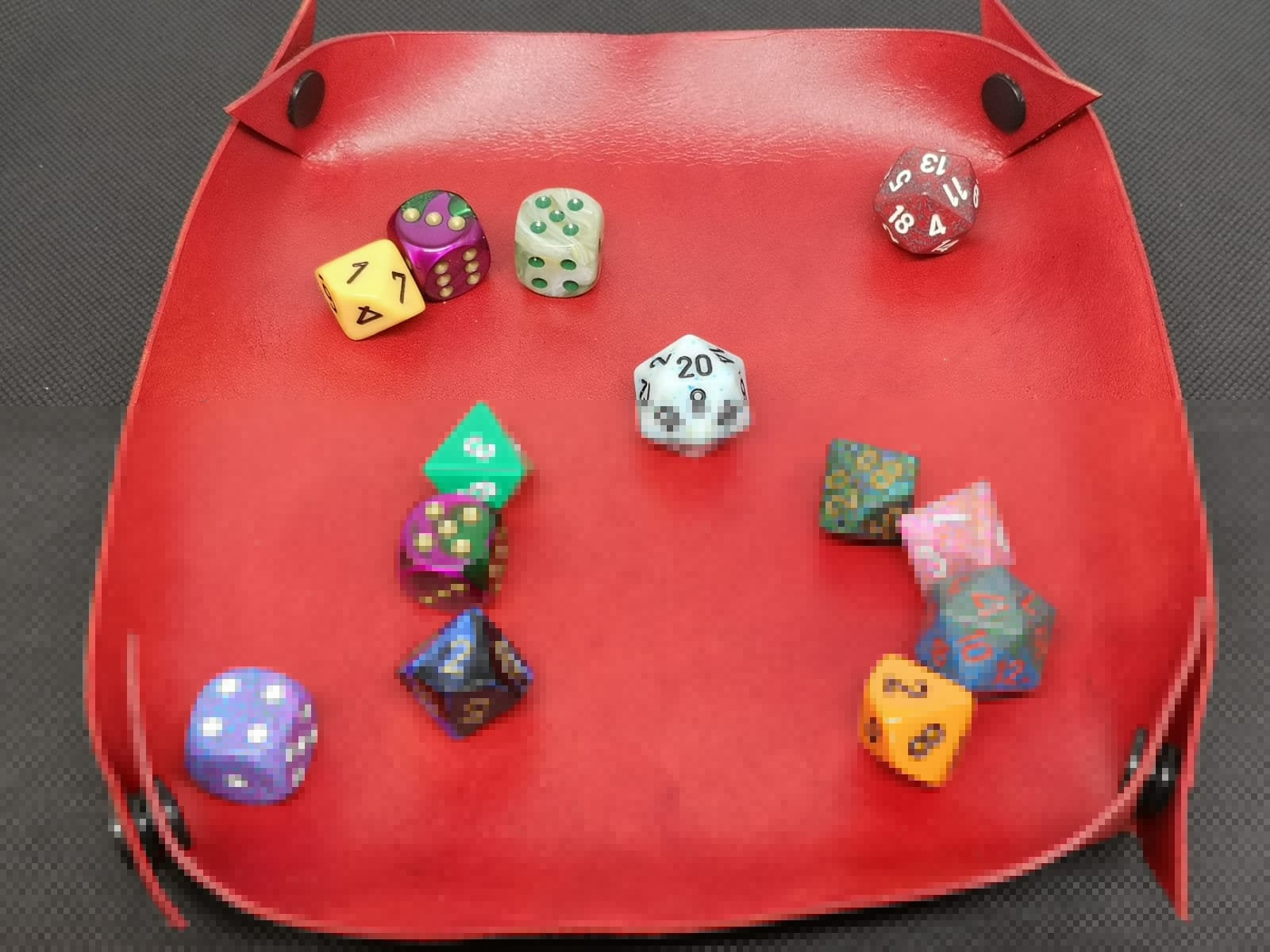 Collapsible leather dice tray