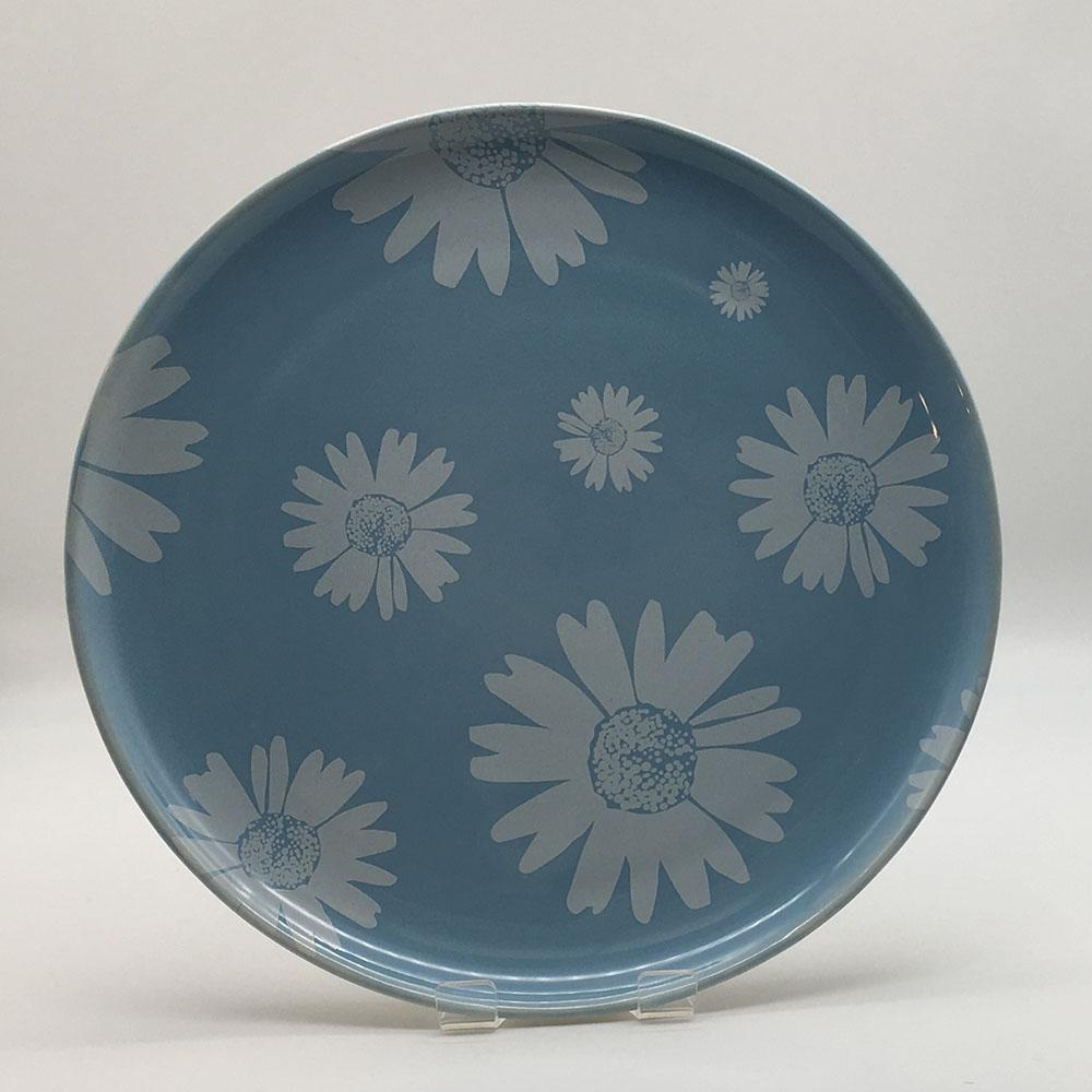 Beautiful blue pastel coloured side plate. Hand painted by our artisans. Diameter 20cm.