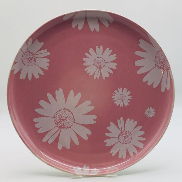 Beautiful pink pastel coloured dinner plate. Hand painted by our artisans. Diameter 26.5cm.