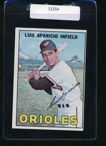 Scan of 1967 Topps 60 Luis Aparicio EX