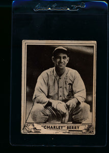 Scan of 1940 Play Ball 190 Charley Berry P
