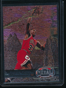 Scan of 1997-98 Metal Universe 83 Scottie Pippen