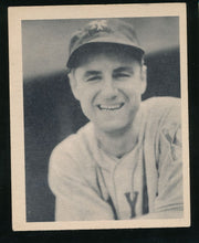 Load image into Gallery viewer, Scan of 1939 Play Ball 35 Bill Jurges VG-EX