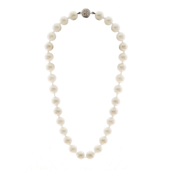 Classic Round White Pearl Short Necklace
