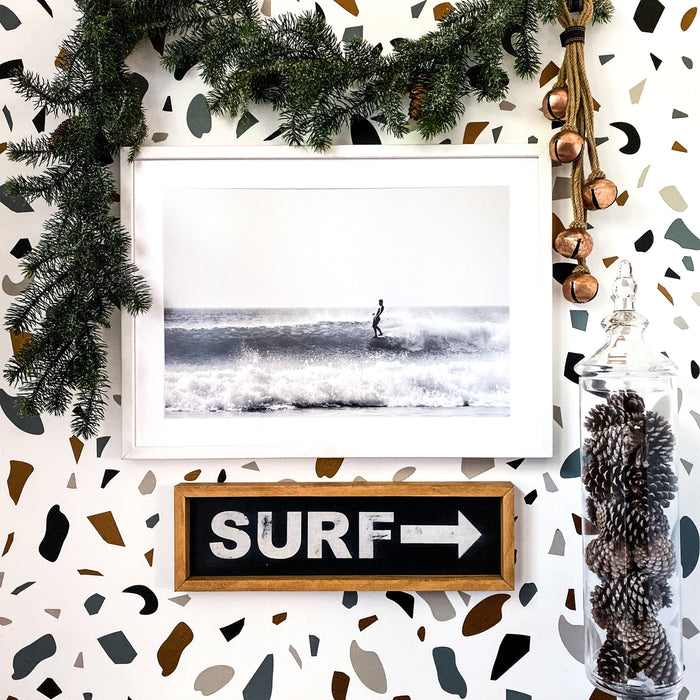 Surf To The Right - Innovatefy