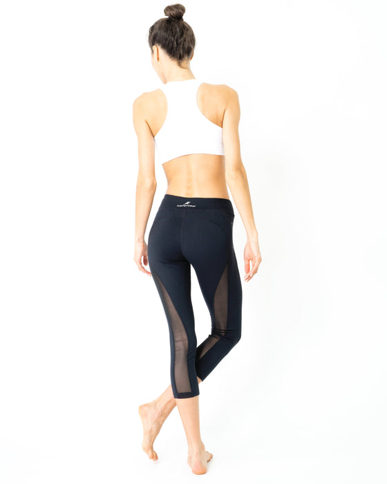 L'espace Low-Waisted Capri Leggings with Mesh Panels and Reflective Strips - Innovatefy