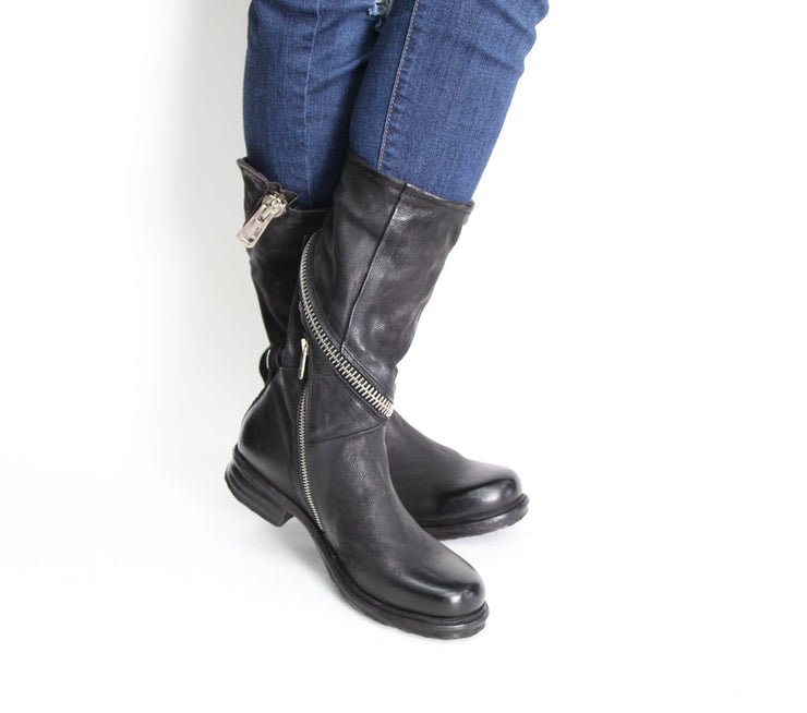 AS 98 Siggs Black Boot with Zipper