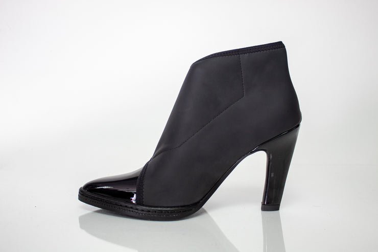 United Nude Furrow Black Ankle Boot