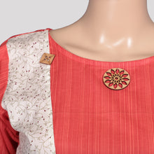 Load image into Gallery viewer, Chilly Red Front Layer Kurthi