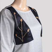Load image into Gallery viewer, Hand Worked Jacket Kurti