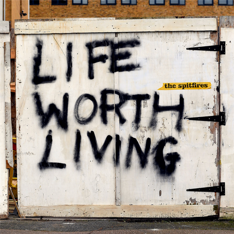 The Spitfires Life Worth Living 0676499050460 Worldwide