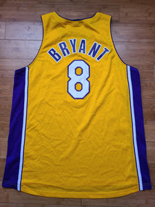 Vintage Mens Nike Los Angeles Lakers Kobe Bryant Swingman Jersey Size 2XL-Gold