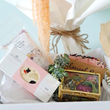 Load image into Gallery viewer, Mothers Day Gift hamper
