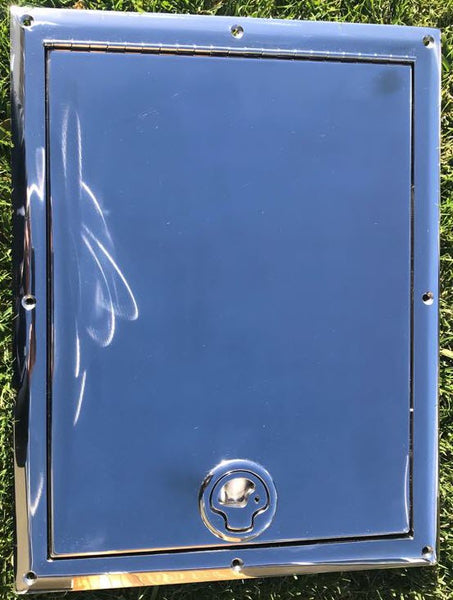 Hinging and Lockable Stainless Steel Access locker lid