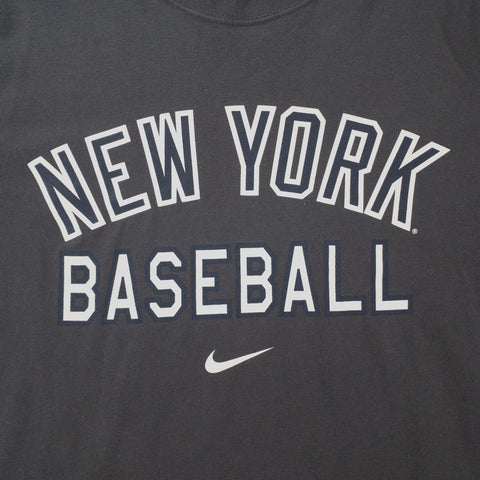 NIKE NEW YORK YANKEES TSHIRT - ADULT L