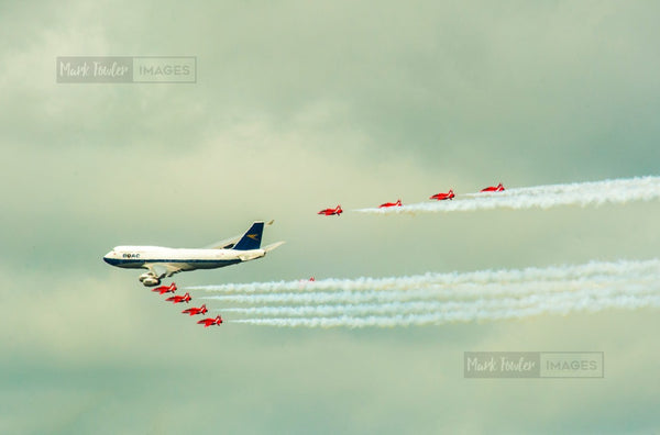 BOAC JUMBO JET AND THE RED ARROWS BRITISH ICONS 2 - markfowlerimages.com