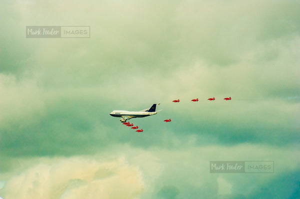 BOAC JUMBO JET AND THE RED ARROWS BRITISH ICONS 3 - markfowlerimages.com