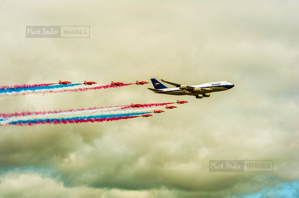 BOAC JUMBO JET AND THE RED ARROWS BRITISH ICONS 5 - markfowlerimages.com