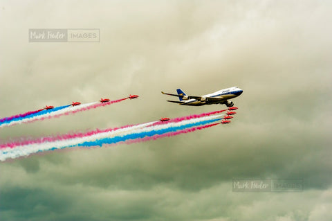 BOAC JUMBO JET AND THE RED ARROWS BRITISH ICONS 1 - markfowlerimages.com