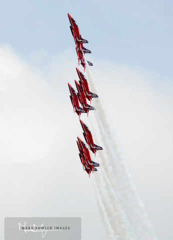 Red Arrows  Formation Climb - markfowlerimages.com