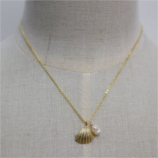 Tiny Scallop Shell Pendant Necklace