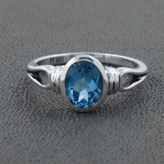925 Sterling Silver Blue Topaz Gemstone Ring (D63)