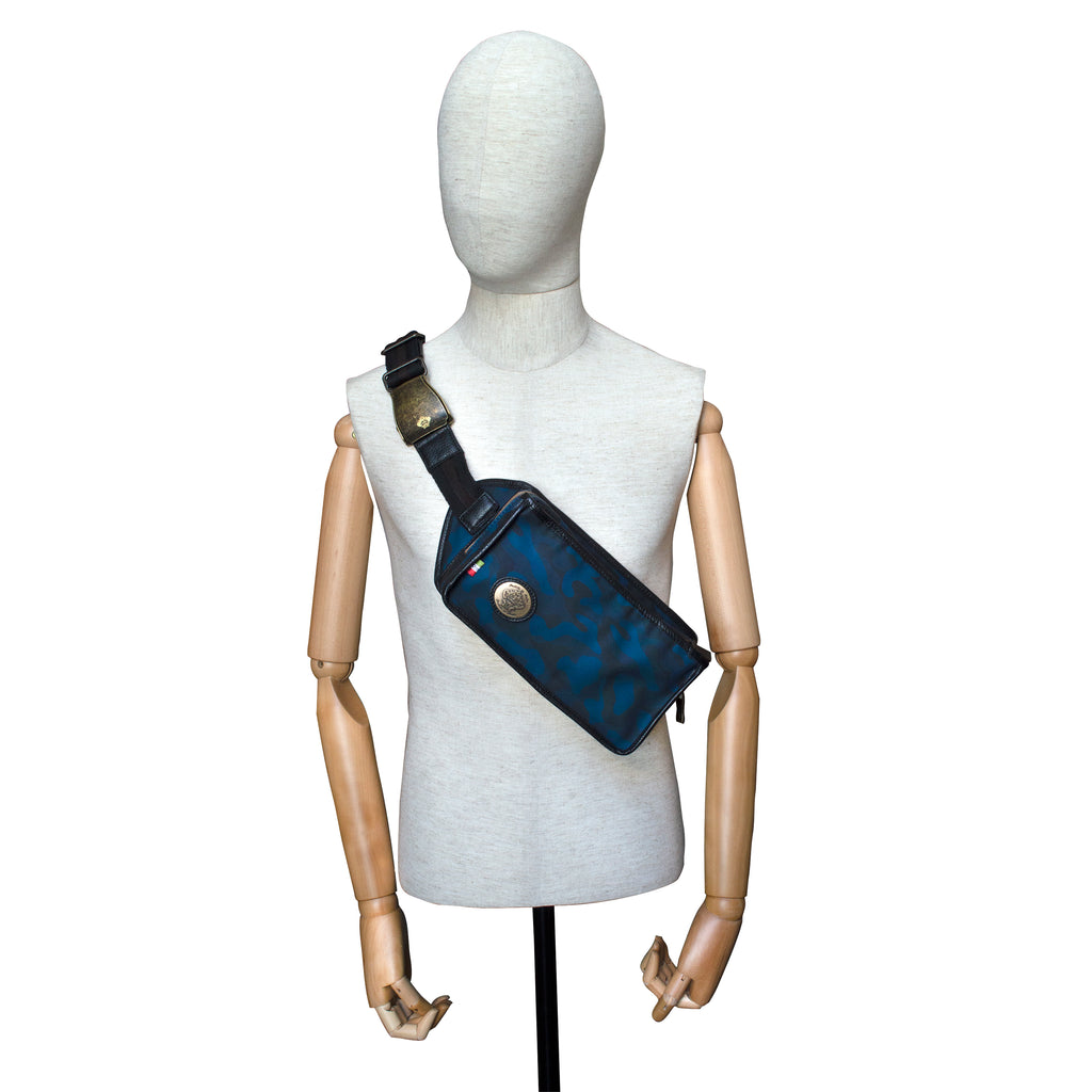 Razione Cross-body in Blue Camo