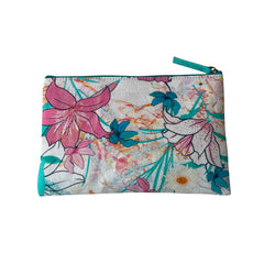 DELICATE FLORAL CLUTCH