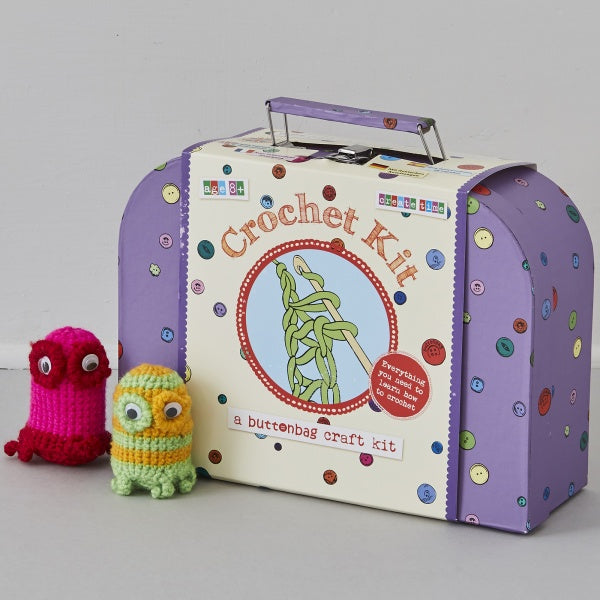 LEARN HOW TO CROCHET SUITCASE KIT