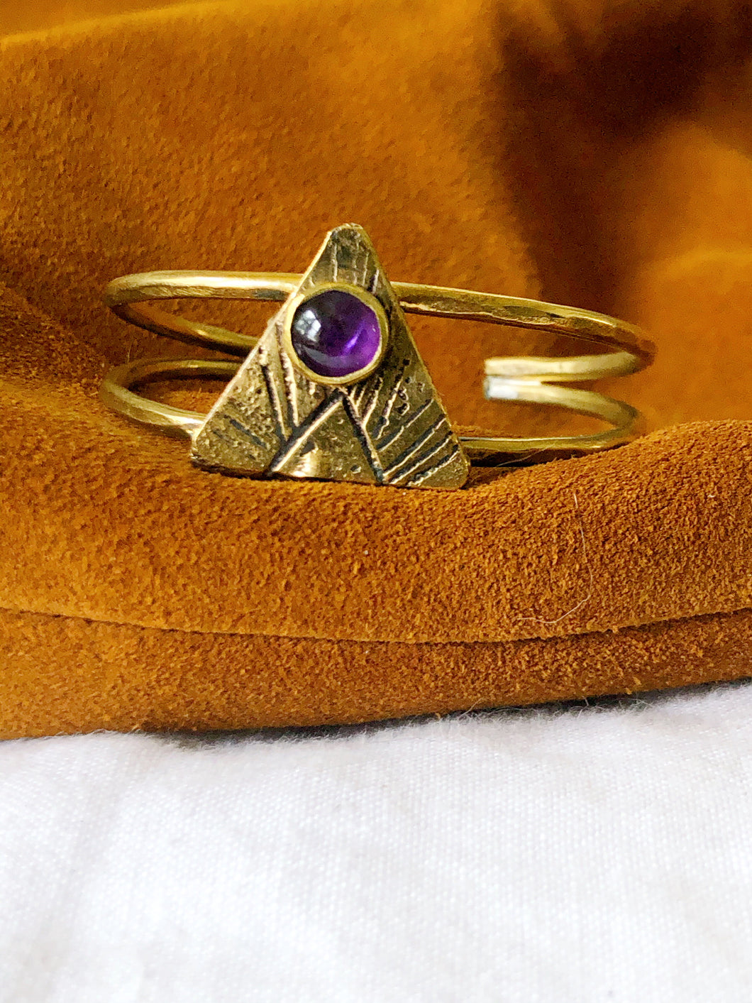 AMETHYST ARROW CUFF