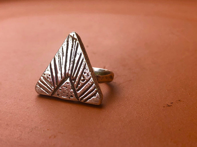 SAND ARROW RING