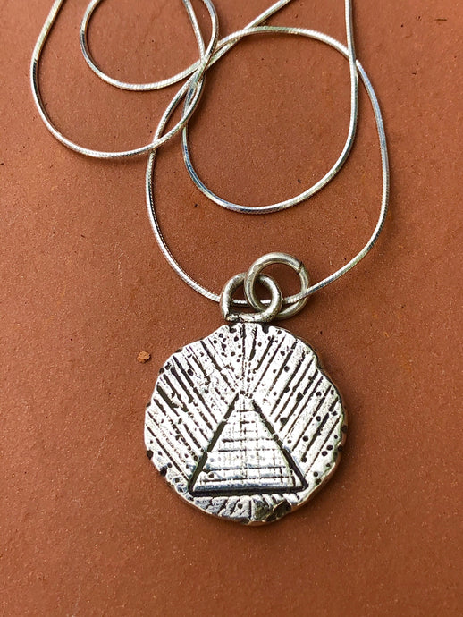 PYRAMID SANDS NECKLACE