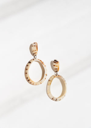 Limpet Earrings, Pale