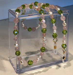 The Dewdrop Shop Rose Quartz/Pearl/Kiwi Glasses Chain