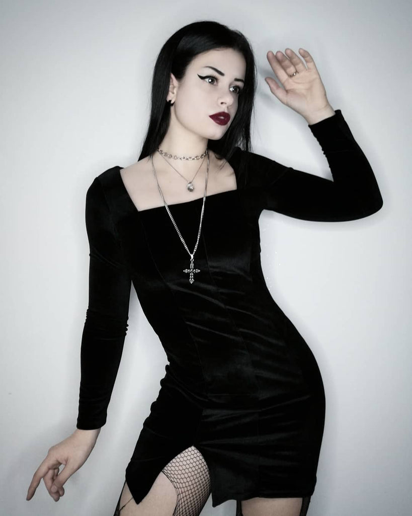 Figure Me Out Velvet Dress - ALTERBABE Shop Grunge, E-girl, Gothic, Goth, Dark Academia, Soft Girl, Nu-Goth, Aesthetic, Alternative Fashion, Clothing, Accessories, Footwear