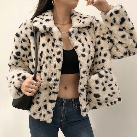 Snow Leopard Faux Fur Coat - ALTERBABE Shop Grunge, E-girl, Gothic, Goth, Dark Academia, Soft Girl, Nu-Goth, Aesthetic, Alternative Fashion, Clothing, Accessories, Footwear