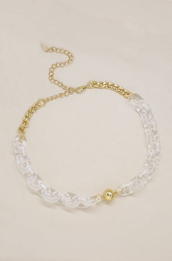 Clear Links Necklace in Gold